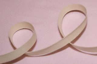 Picture of Ecru Ribbon - 10 mm